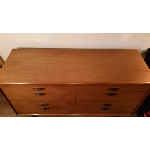 Mid-Century Modern 1960's Drexel Parallel Series 8-Drawer Dresser by Barney Flagg For Sale - Image 3 of 13