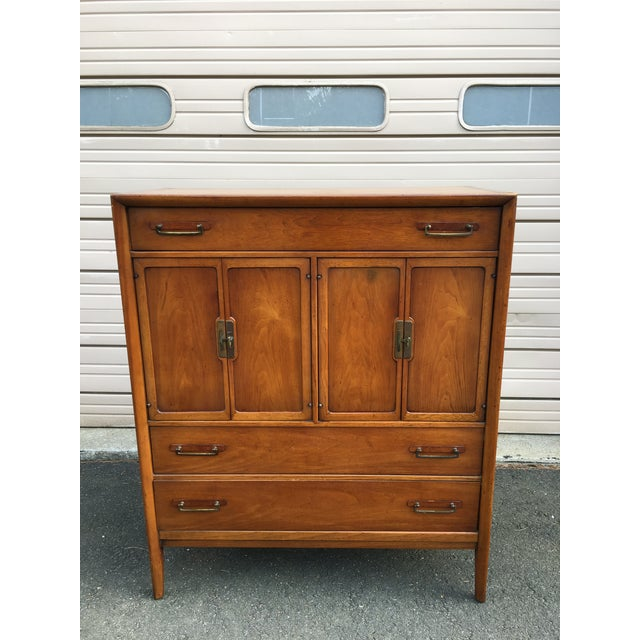1960s Vintage Drexel Mid-Century Meridian Walnut Tall Chest 5 Drawer Dresser For Sale - Image 11 of 11