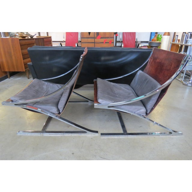 "Vintage Mid-Century Modern ""Z"" Chairs - A Pair For Sale - Image 5 of 10"