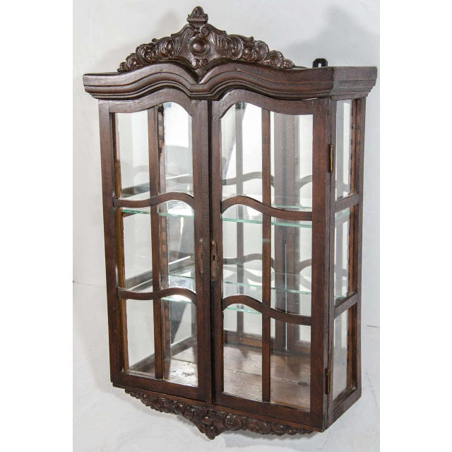 Victorian Antique Curio Cabinet with Hand Carved Wood Designs - Image 2 of 8 - Excellent Victorian Antique Curio Cabinet With Hand Carved Wood