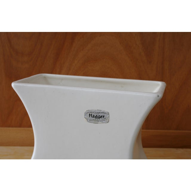 White Haeger Tulip Vase For Sale In Seattle - Image 6 of 9