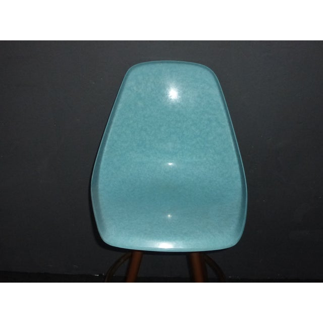 Mid-Century Turquoise Fiberglass Peg Leg Bar Stool For Sale In Los Angeles - Image 6 of 7