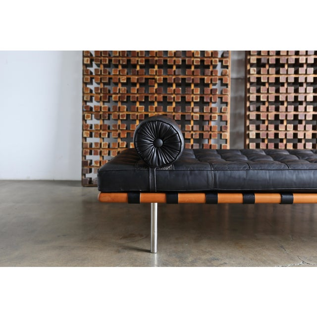 Animal Skin Mies Van Der Rohe Leather & Walnut Daybed for Knoll, 1983 For Sale - Image 7 of 11