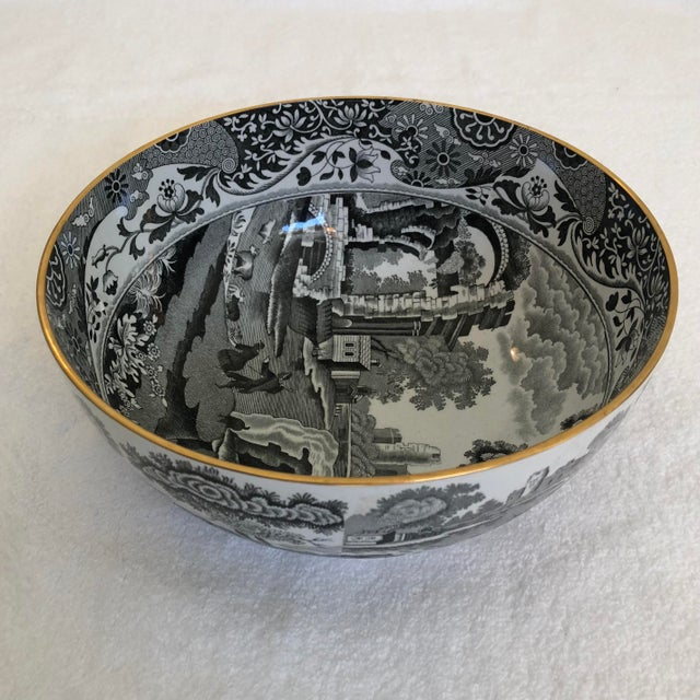 Spode 1960s English Porcelain Black Transfer Ware Serving Bowl by Spode With Gilt Trim For Sale - Image 4 of 5