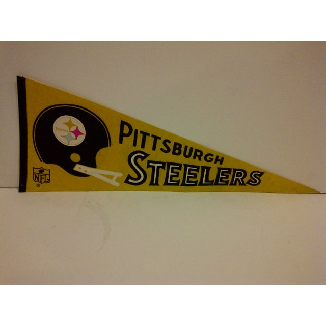 Vintage NFL pennant flag for the Pittsburgh Steelers. Circa 1970. In good condition for its age.