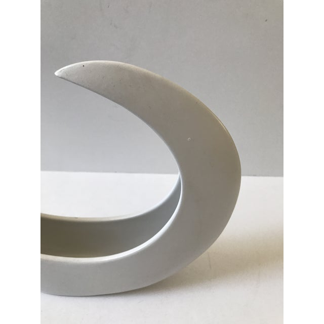 White Crescent Shaped Vessel - Image 6 of 8