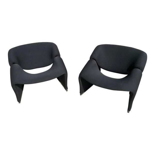 Mid Century Pierre Paulin Model F580 Chairs- A Pair For Sale