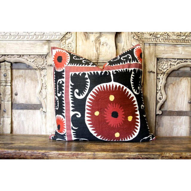 Mid 20th Century Pair of Rajah Suzani Square Pillow For Sale - Image 5 of 6