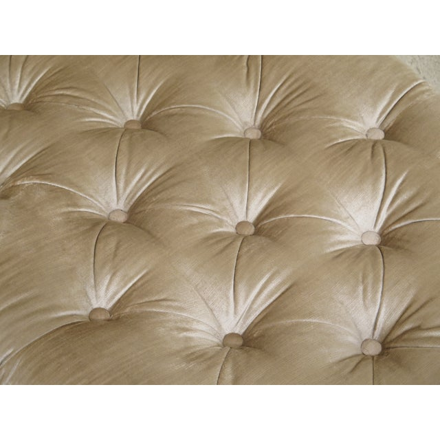 Textile 1990s Vintage Custom Upholstered Tufted Chaise For Sale - Image 7 of 12