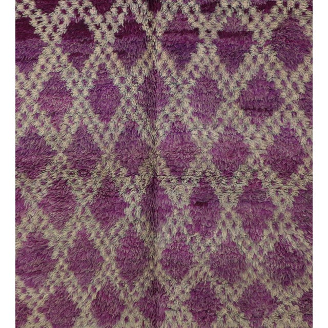 Islamic 1970s Vintage Boujad Moroccan Rug- 4′7″ × 6′4″ For Sale - Image 3 of 6