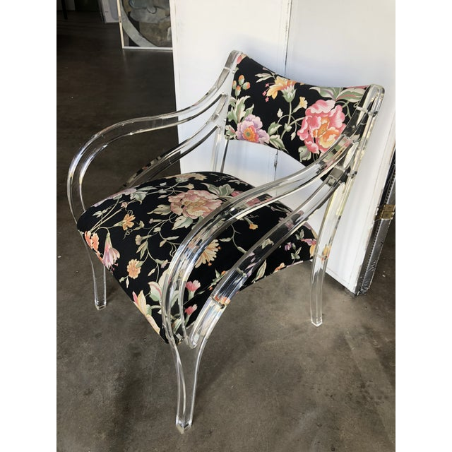 Vintage Curvilinear Lucite Bergere Accent Chair in Floral Upholstery For Sale In Greensboro - Image 6 of 6