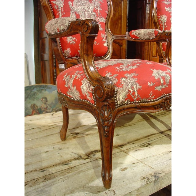 Mid 19th Century Pair of Louis XV Style Walnut Fauteuils with Toile de Jouy Upholstery For Sale - Image 5 of 10