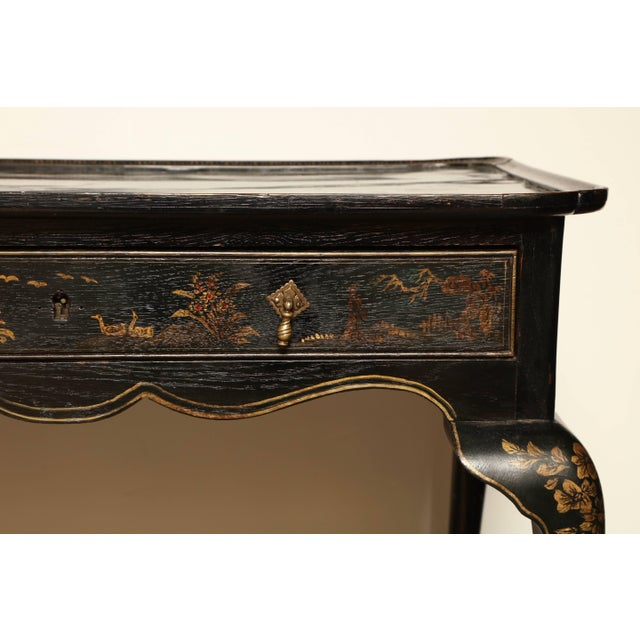 Queen Anne Lacquered Tea Table For Sale - Image 4 of 11