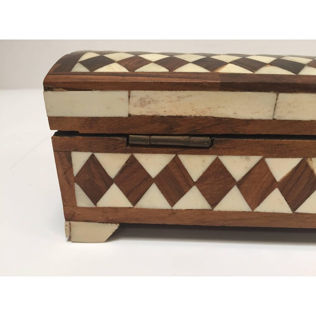 Vizagapatam Anglo-Indian Rectangular Box Inlaid With Bone and Sandalwood For Sale - Image 4 of 10