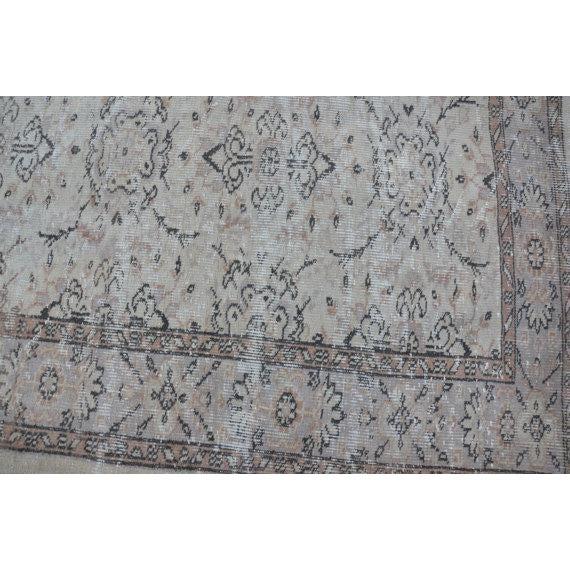 Vintage Handwoven Turkish Beige Oushak Carpet - 5′9″ × 9′2″ For Sale - Image 5 of 6