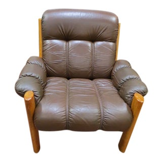 Vintage Mid Century Modern Ekornes Scandinavian Solid Teak and Leather Lounge Chair For Sale