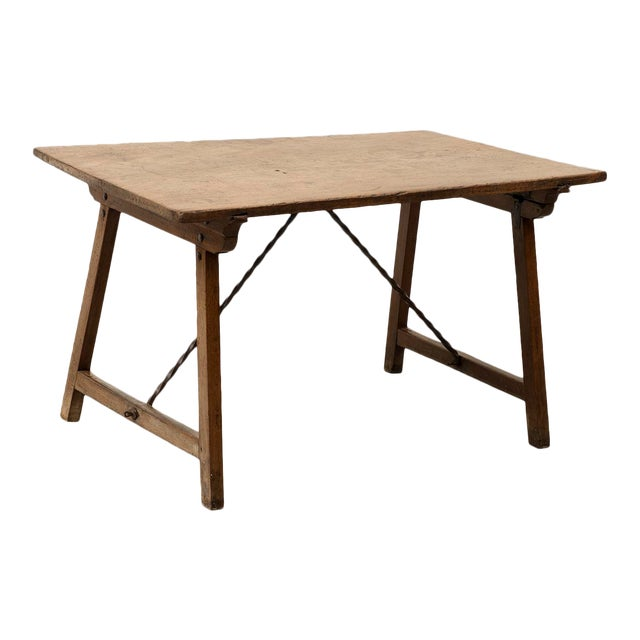 18th Century Spanish Travel Table in Walnut For Sale