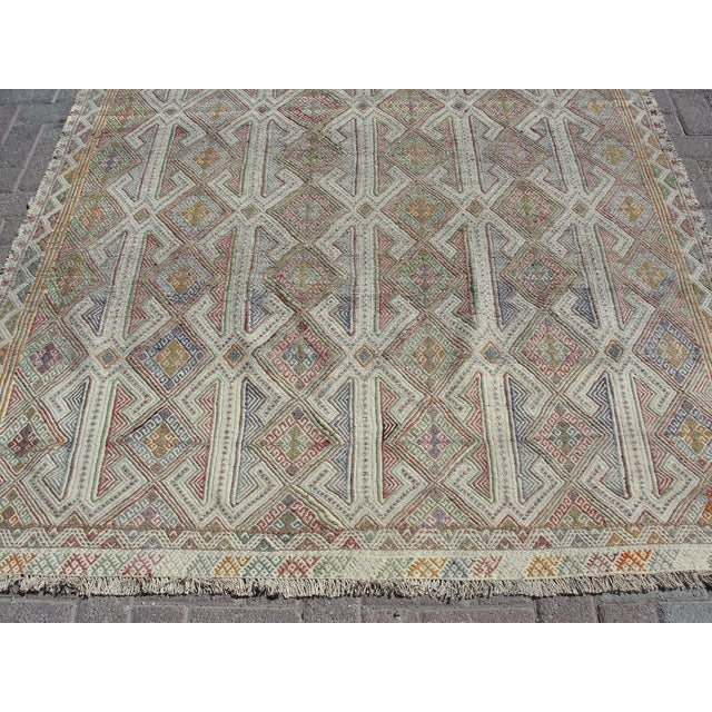 Vintage Turkish Kilim Rug - 5′7″ × 8′1″ For Sale - Image 10 of 11