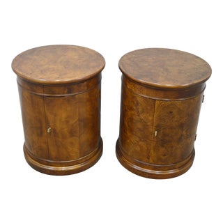 Pair of Henredon Burled Walnut Nightstands Bed Side Tables For Sale