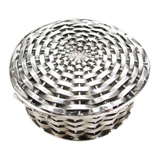 1960s Traditional Sterling Signed Perita Mexico City Basket Weave Box For Sale