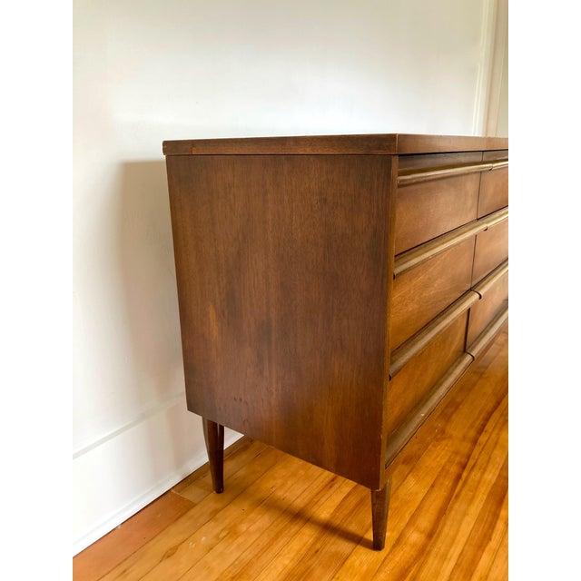 Mid 19th Century Mid Century Modern Bassett 9 Drawer Lowboy Dresser For Sale In Seattle - Image 6 of 12