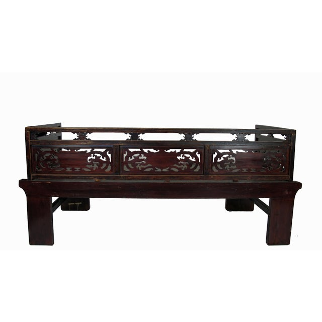 1900s Antique Chinese Daybed With Hand Carved Railing For Sale - Image 10 of 11