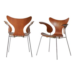 Arne Jacobsen, Armchair, the Lily, Model 3208 - a Pair For Sale