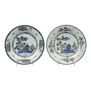 18th Century Blue Chinese Style English Delft Plates - a Pair For Sale