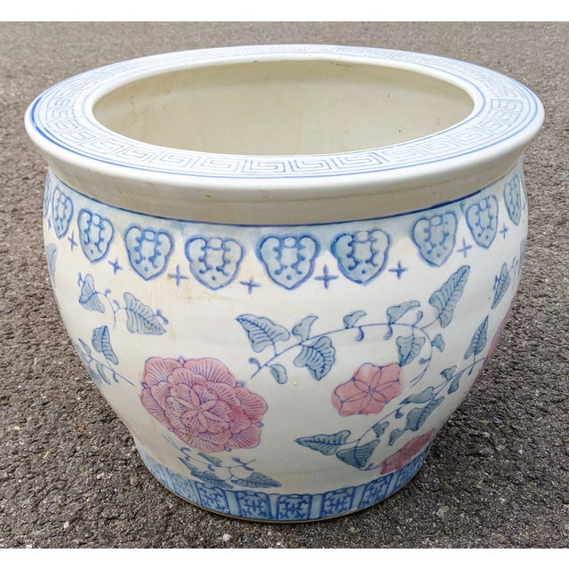 From a well traveled New York City estate, we have a pleasure to offer you this lovely gorgeous Vintage Chinese Porcelain...
