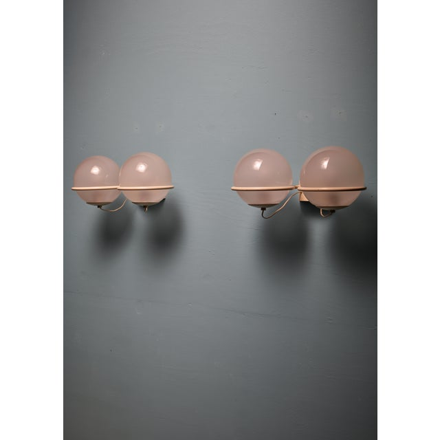 Mid-Century Modern Rare Gino Sarfatti Pair of '237-2' Sconces in White and Opaline, Arteluce, 1950 For Sale - Image 3 of 6