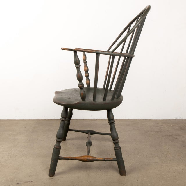 American 18th C. Peg Krupp Private Collection Windsor Chair #2 With Extended Arms For Sale - Image 3 of 12
