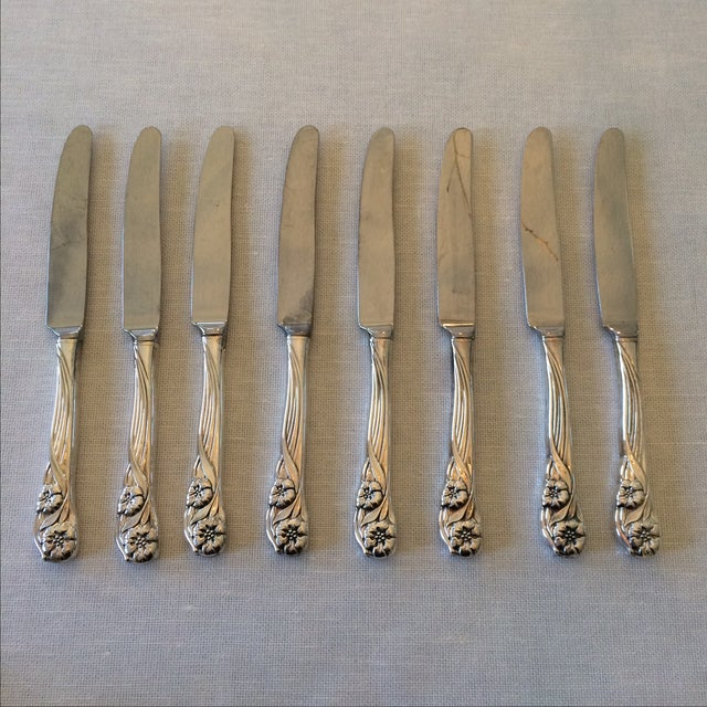 Oneida Trillium Silverplate Service for 6 Flatware - Image 5 of 10
