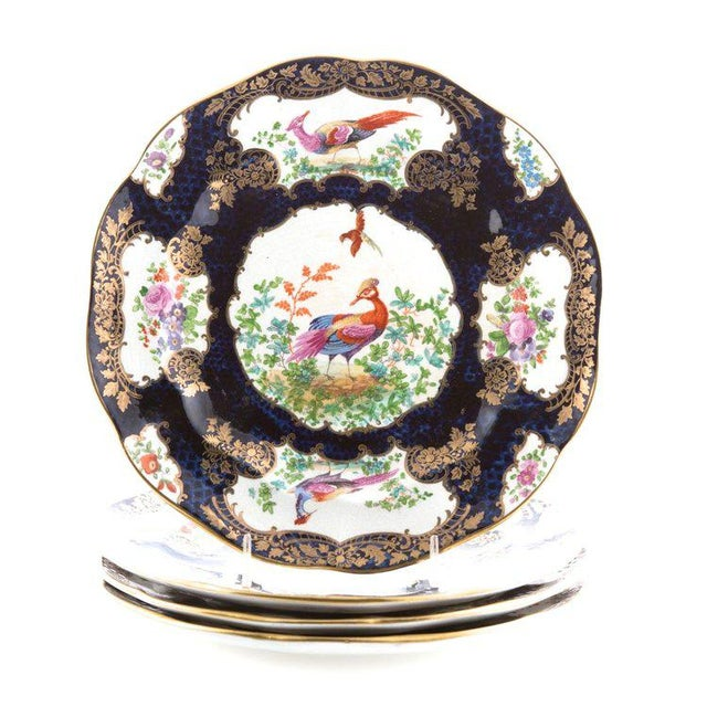 "Ceramic 7-Piece Garniture of English ""Chelsea Bird' Pattern Porcelain For Sale - Image 7 of 11"