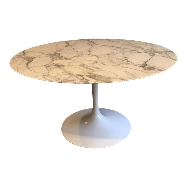 "Mid-Century Modern Eero Saarinen for Knoll 54"" Marble Dining Table For Sale"