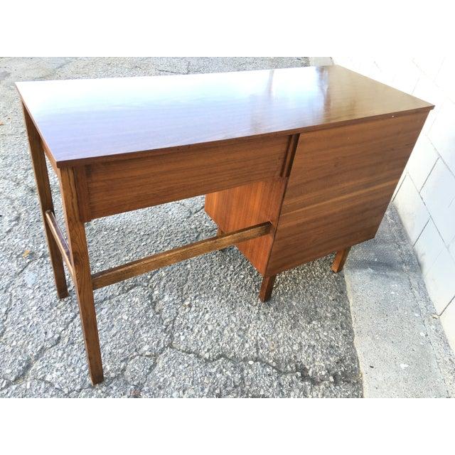 1960s Mid Century Modern Desk - Image 5 of 11
