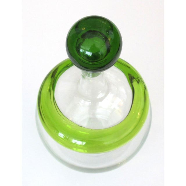 Joel Philip Myers Rare American 1960's Clear Decanter With Citrine Stopper & Applied Collar; Designed by Joel Philip Myers for Blenko Glassworks; Acid Etched Signature For Sale - Image 4 of 7