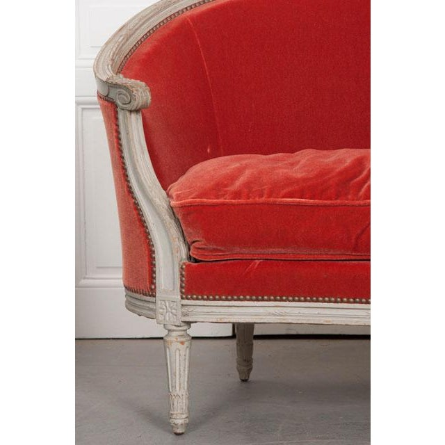 French 19th Century Painted Louis XVI Style Settee For Sale - Image 4 of 11