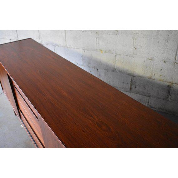Mid Century Modern Rosewood Credenza by Nils Jonsson for Troeds For Sale In New York - Image 6 of 10