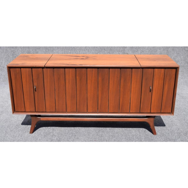 Vintage Zenith Mid-Century Modern Stereo Console