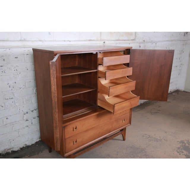 Metal Broyhill Brasilia Mid-Century Modern Sculpted Walnut Gentleman's Chest For Sale - Image 7 of 13