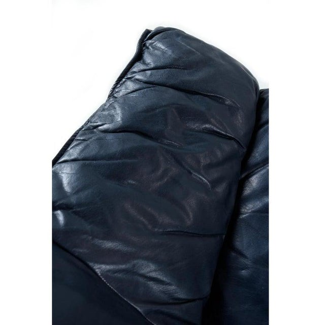 Dark Blue Italian Leather Sofa in the Manner of De Sede For Sale - Image 6 of 9