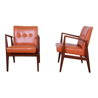 Jens Risom Mid-Century Modern Sculpted Walnut Lounge Chairs, Pair For Sale