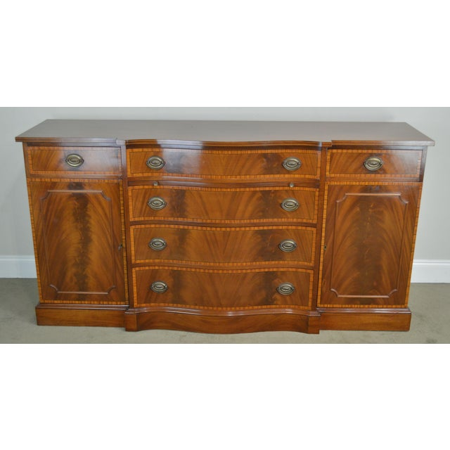 Federal Federal Style 1940's Custom Flame Mahogany Inlaid Buffet Sideboard For Sale - Image 3 of 13