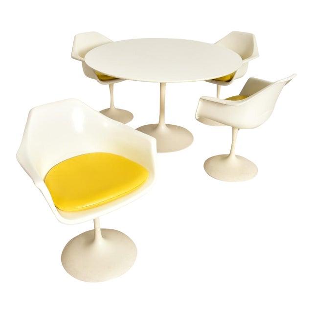 Vintage Eero Saarinen Tulip Dining Set - 5 Pieces For Sale