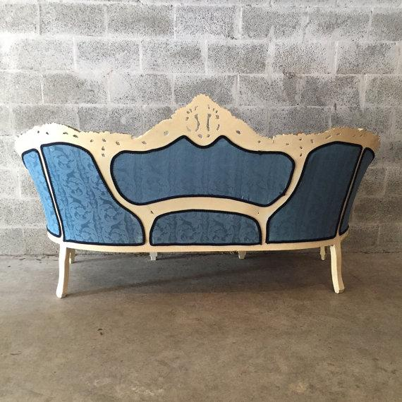 Venetian Corneille Shape Sofa - Image 4 of 4
