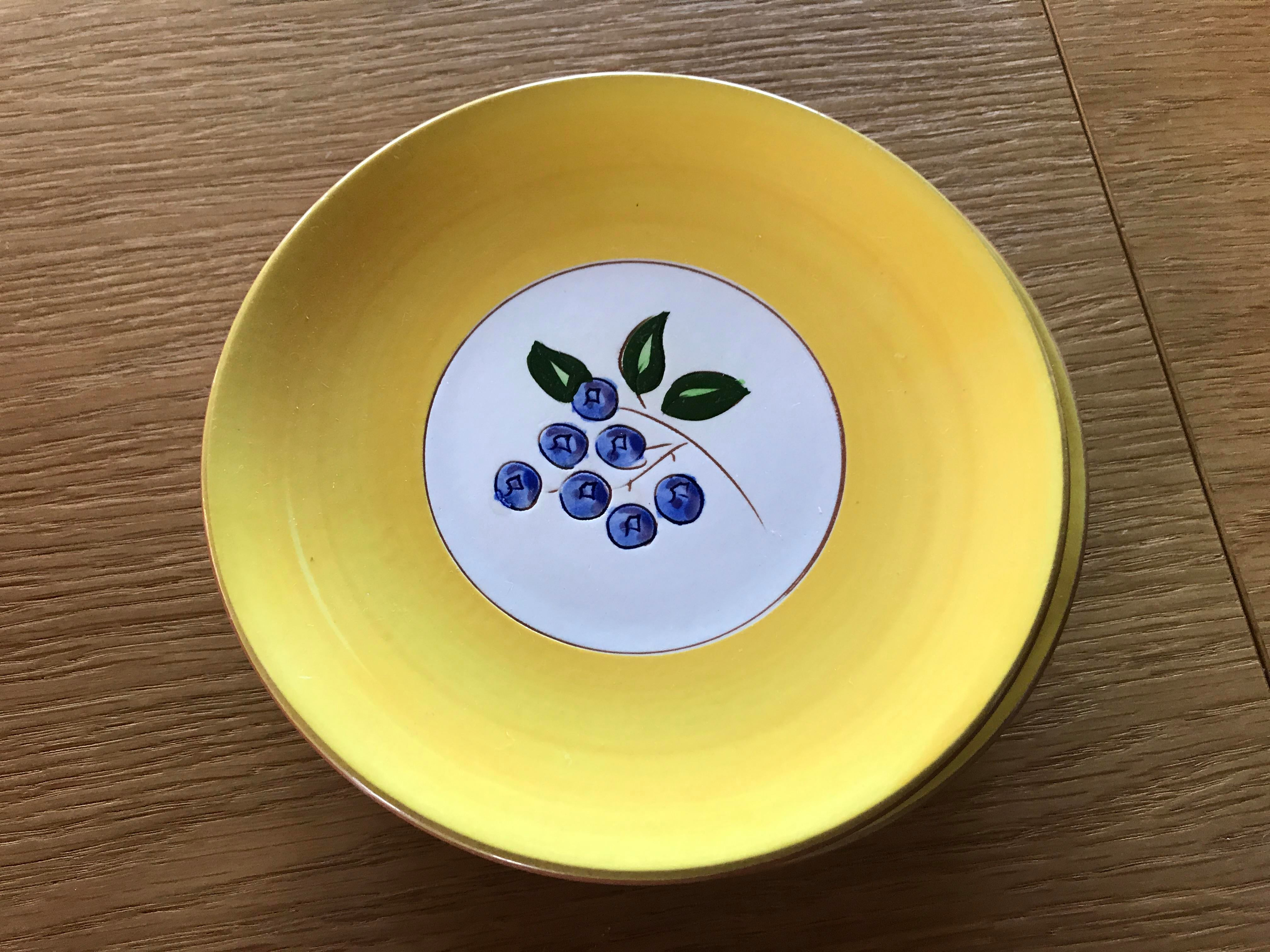 Stangl Pottery Blueberry Motif Yellow Dinnerware - Set of 22 - Image 9 of 10  sc 1 st  Chairish & Stangl Pottery Blueberry Motif Yellow Dinnerware - Set of 22 ...