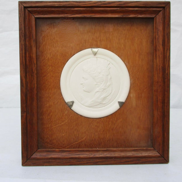 Late 19th Century Commemorative Bisque Classical Medallion Encased in Oak Box For Sale - Image 5 of 5