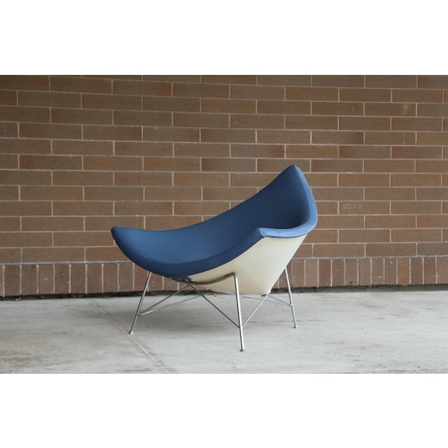 The coconut chair is an iconic design by George Mulhauser for George Nelson and Associates / Herman Miller. The chair's...