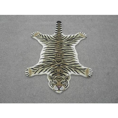 Modern Hand-Tufted Tiger Skin Shape Wool Rug - 2' x 3' - Image 2 of 6
