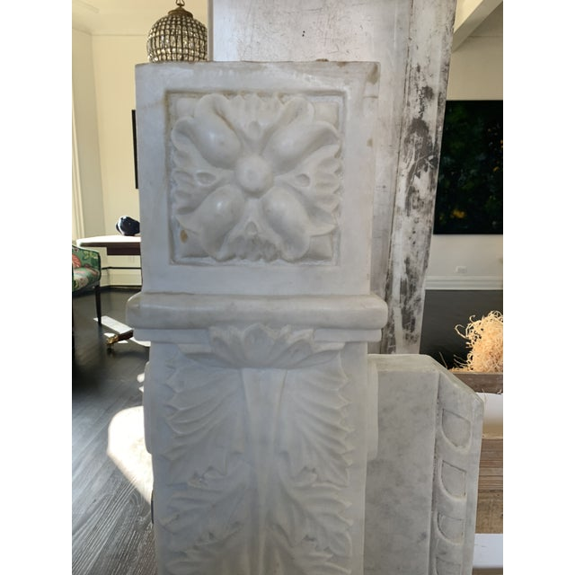 Traditional 1900s Marble Fireplace Mantel For Sale - Image 3 of 12